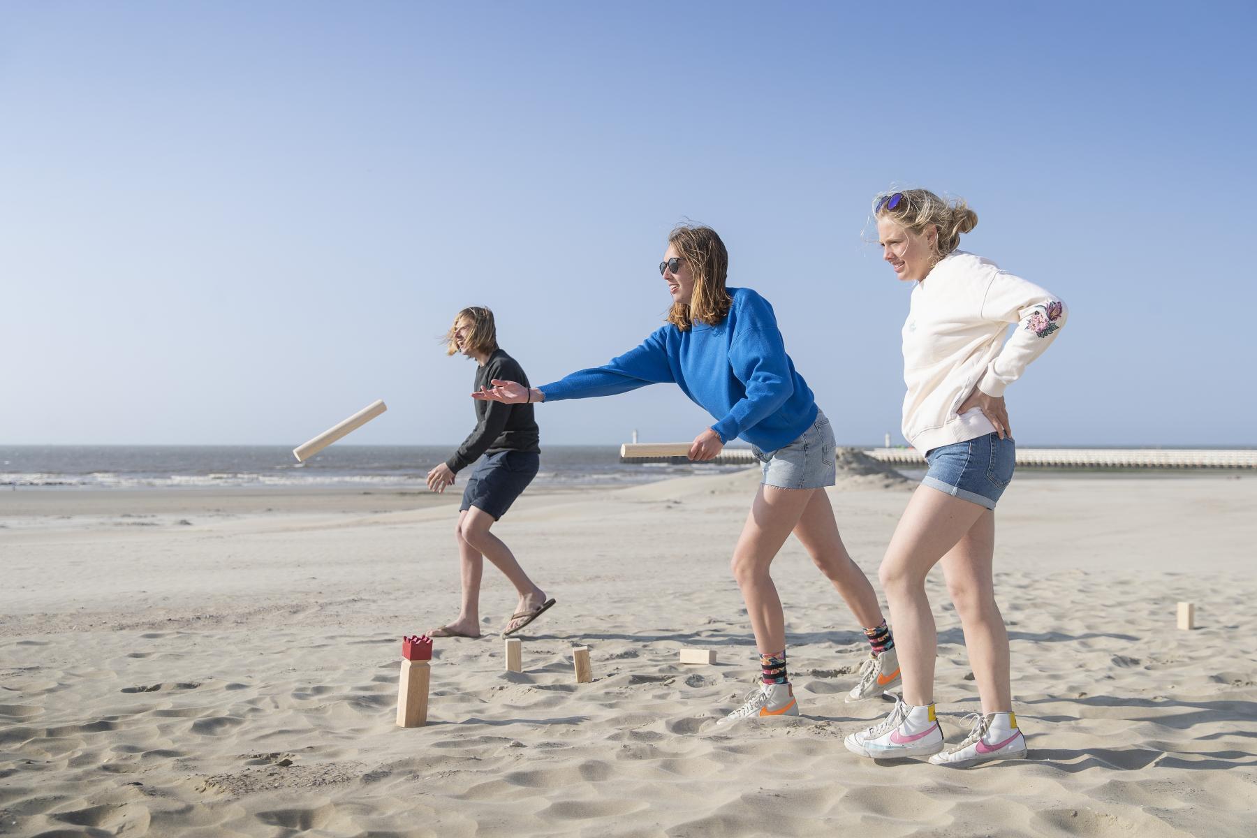 Visit Nieuwpoort - Sportstrand The beach to play
