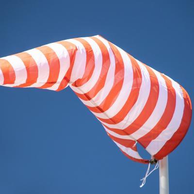 VisitNieuwpoort Le vent souffle où il veut - Daniël Buren